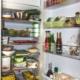 offener, voll gestpfter Kühlschrank